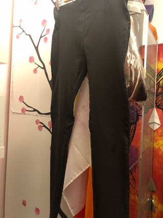Pantalones cuero negros
