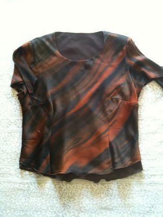 Blusa de gasa marrón