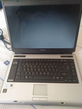 Portátil Toshiba A100-999
