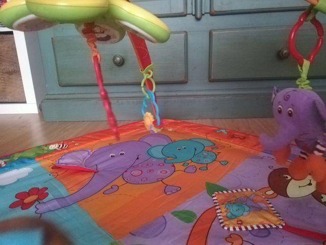 Gimnasio de actividades bebé Tiny Love