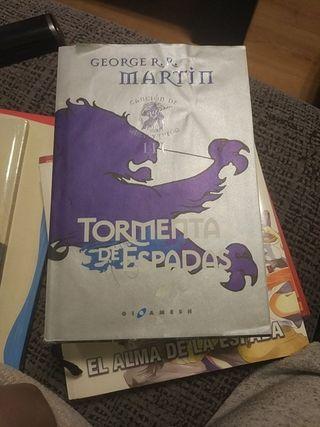 Juego de Tronos. Libro tormenta de espadas.