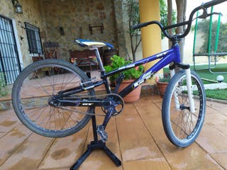 bicicleta BMX 24. marca GT