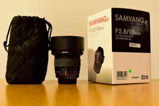 Samyang 10mm f2.8 montura Nikon