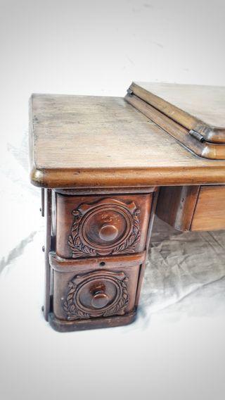 Mueble se maquina de coser SINGER
