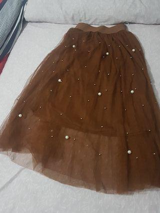 falda con perlas muy bonita nueva talla S