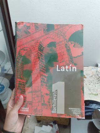 libro de latín nuevo