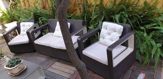 sofá jardín exterior