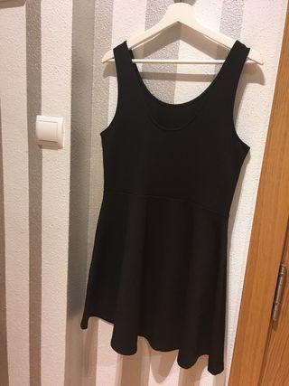"Vestido negro ""Patinadora"" H&M"