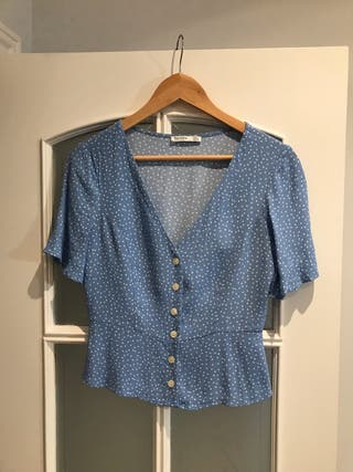 Camisa topos (M) BERSHKA (nueva)