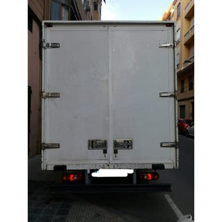 Camión caja Mitsubishi