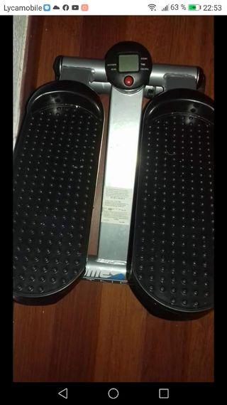 Vendo maquina de jinasia para piernas nueva.muy co