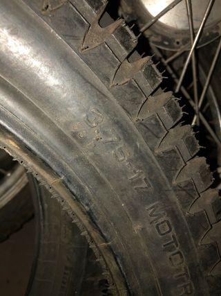 Neumático 3,75x17 pirelli