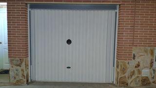 puerta garaje basculante motorizada