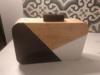 bolso nuevo de madera, blanco y negro