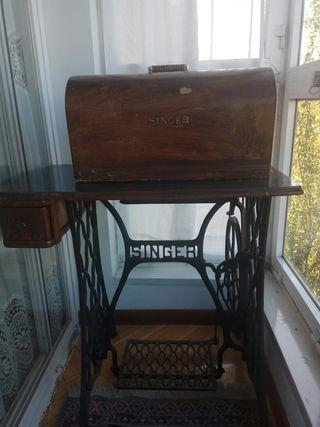 Maquina de coser Singer 1926 y mueble