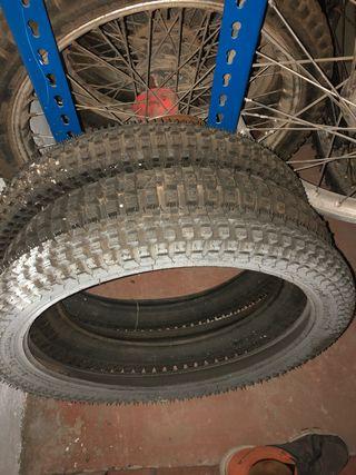 Neumático 2,50x20 pirelli