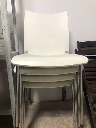 Conjunto de 4 sillas Ikea de madera (30€ todas)