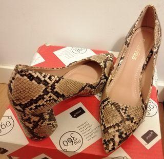 zapatos nuevos estampado serpiente
