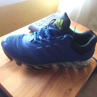 Vendo zapatilla Adidas ORIGINALES