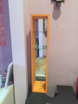 Mueble auxiliar baño IKEA con espejo
