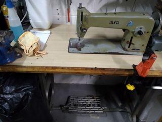 Maquina coser industrial