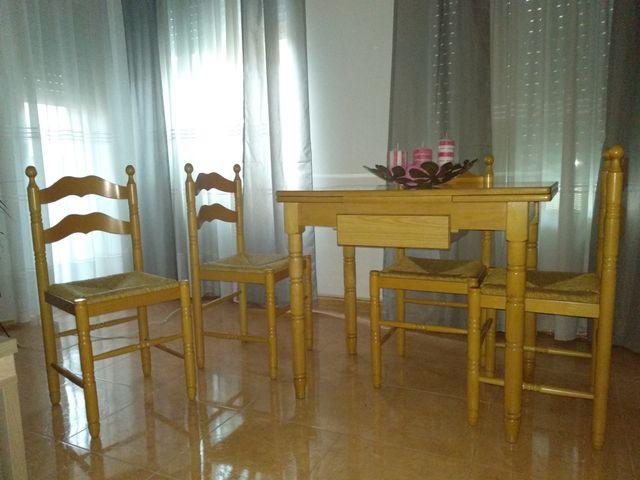 Mesa y sillas cocina de segunda mano por 100 € en El Gabato ...