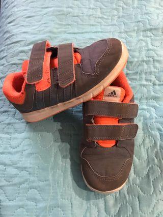 Zapatillas Adidas niño talla 27