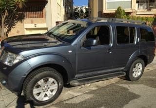 Nissan Pathfinder 4x4 Auto. Full Equip