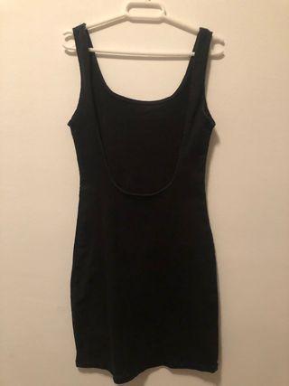Vestido negro espalda descubierta ZARA