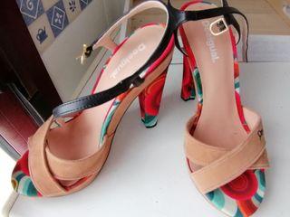 Zapatos altos Desigual