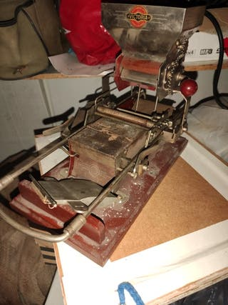 maquina antigua para liar tabaco