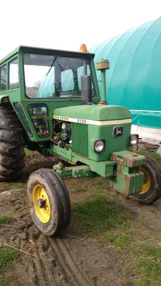 Tractor John Deere 2135