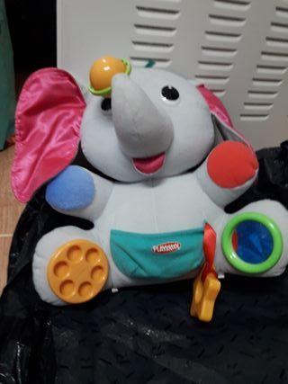 Elefante Bebé de Actividades Playskool