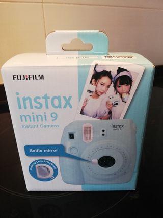 Cámara Fujifilm Instax mini 9 para fotos instantán