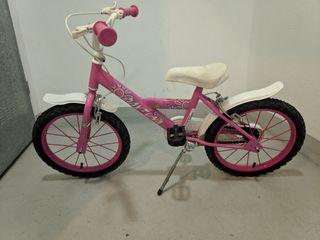 """Conjunto bicicleta 16"""" y Patinete."""