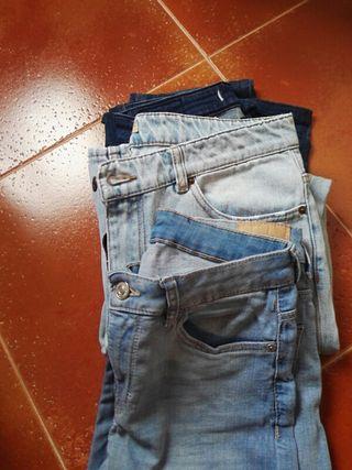 Tres pantalones de cintura 70.