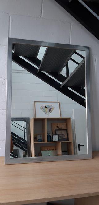 Espejo marco plano plata rallado