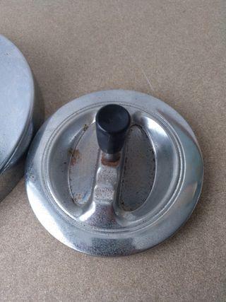 Cenicero pie retro metal