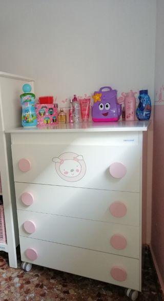 mueble bebé