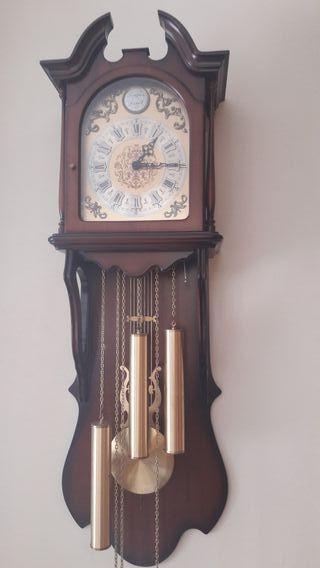 Reloj de pared marca SARS