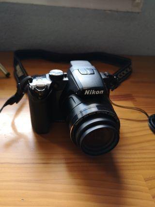 cámara reflex para iniciación