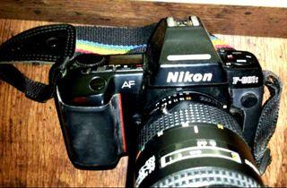 Cuerpo Cámara réflex Nikon F180 (Más de imagen y sonido en mi perfil
