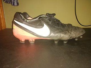Botas Fútbol Nike Tiempo Legend VI FG