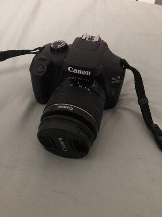 Cámara de fotos Canon 4000D