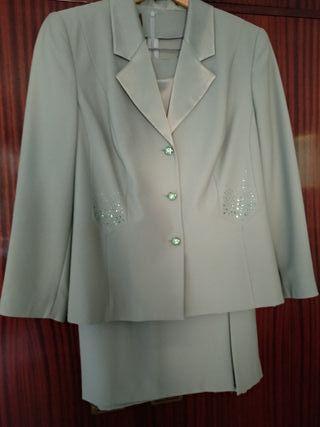 Elegante traje Sra.