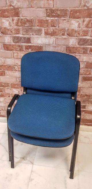 2 sillas de oficina acolchadas y revestidas tela.