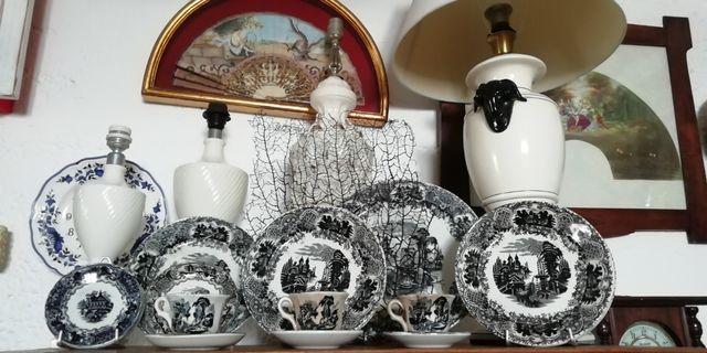 plato, tetera, sopera, jabonera, lámpara,porcelana