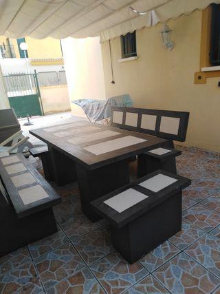 mesa de piedra de exterior