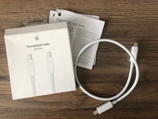 Thunderbolt cable Apple