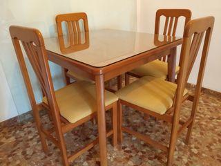 Mesa y sillas Salón Comedor